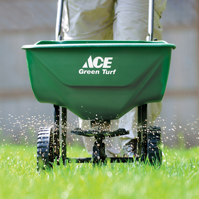 Give Your Lawn Some Tlc With Easy Effective 4 Step Fertilizer Program Weaver S Hardware