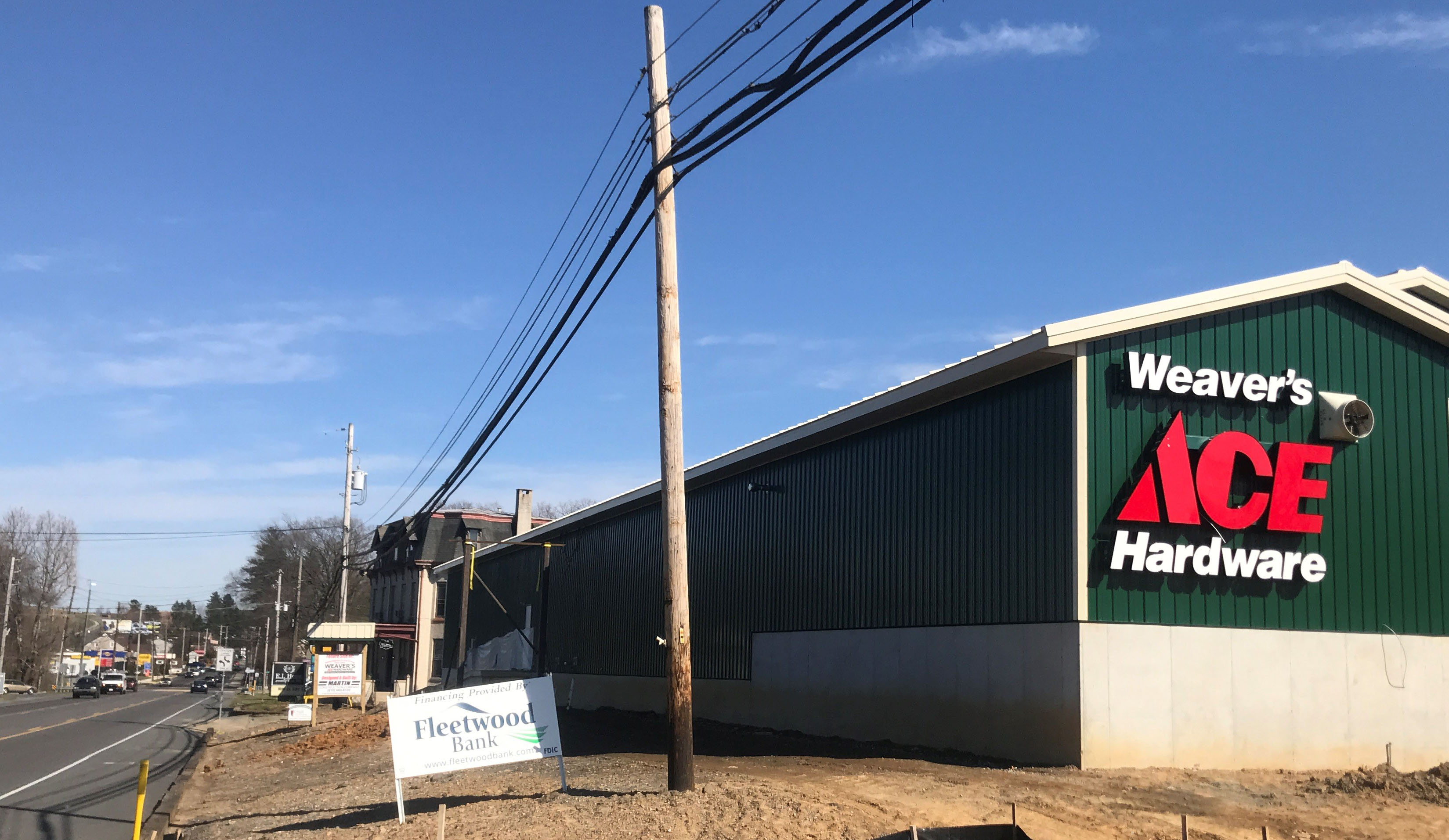 Weaver's Ace Hardware Sinking Spring
